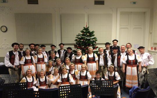 Vianočné omše v Bratislave s komorným orchestrom v krojoch – 13.12.2015