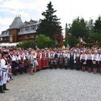 Lúčnica v Tatrách - Spievanie pri Štrbskom plese. Foto: Pavol Harum