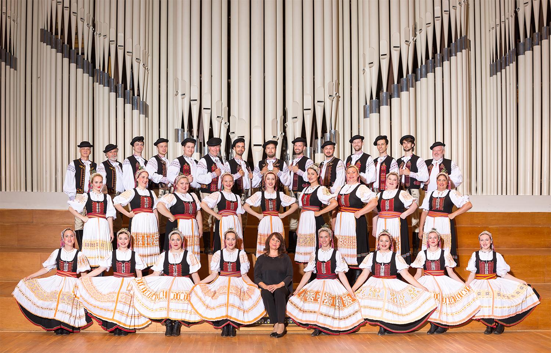 Spevácky zbor Lúčnica 2017- kroje (c) Vladimir Yurkovic