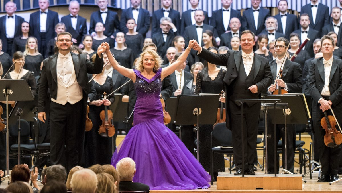 Recenzie na Vianočný koncert mezzospranistky Jany Kurucovej